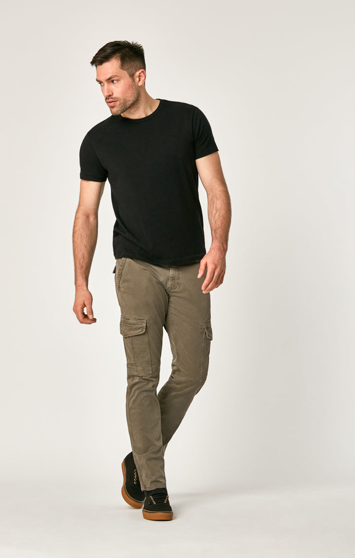 MARCUS SLIM STRAIGHT CARGO PANTS IN LATTE TWILL - Mavi Jeans