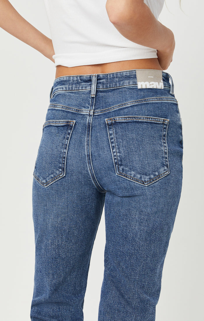 CINDY MOM JEANS IN VINTAGE BLUE DENIM - Mavi Jeans