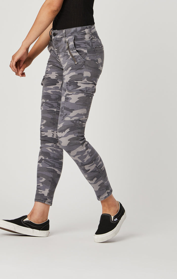 JULIETTE SKINNY CARGO PANTS IN DARK GREY CAMO - Mavi Jeans