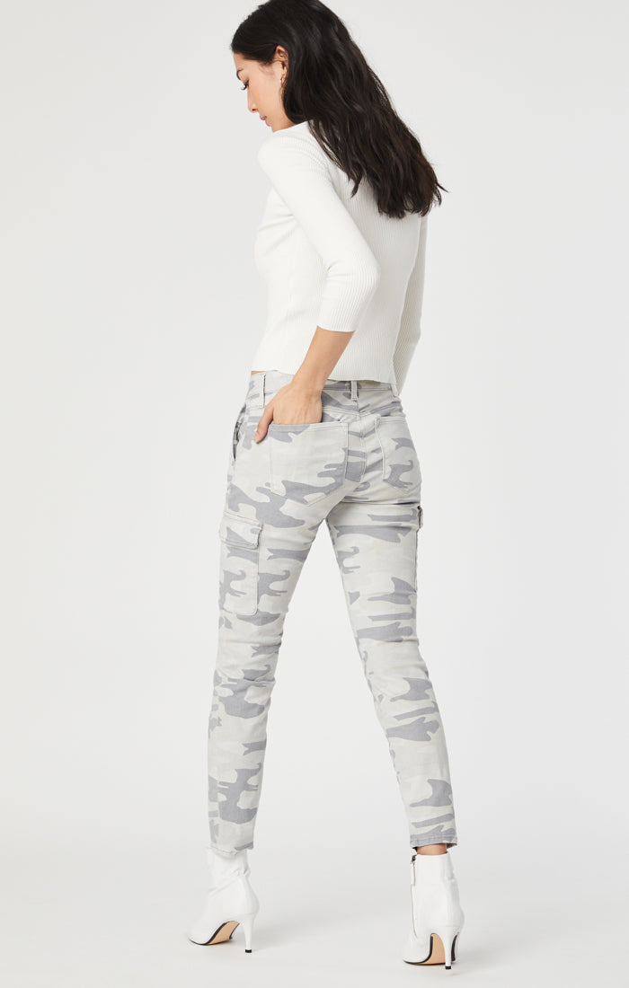 JULIETTE SKINNY CARGO PANTS IN GREY CAMO - Mavi Jeans