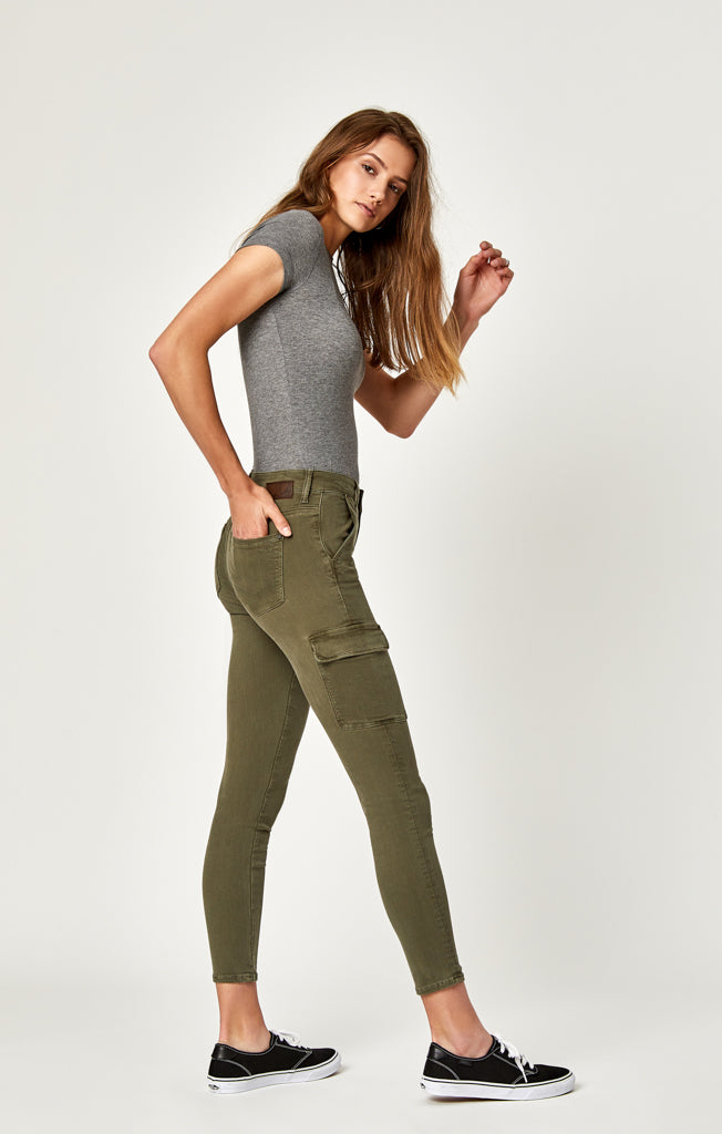 ARINA SKINNY CARGO PANTS IN MILITARY TWILL