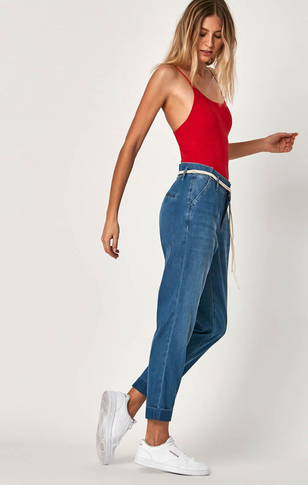 BECCA BELTED TROUSERS IN MID SUMMER DENIM - Mavi Jeans