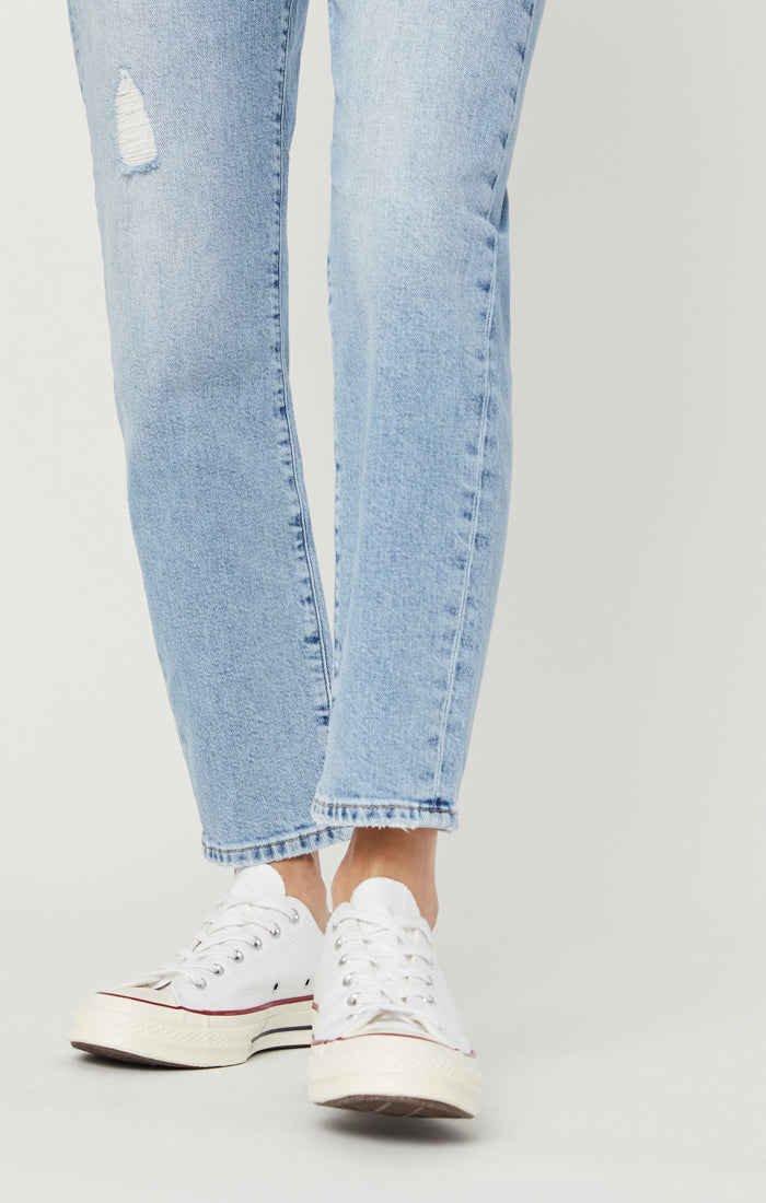 STAR MOM JEANS IN MID RETRO BLUE - Mavi Jeans