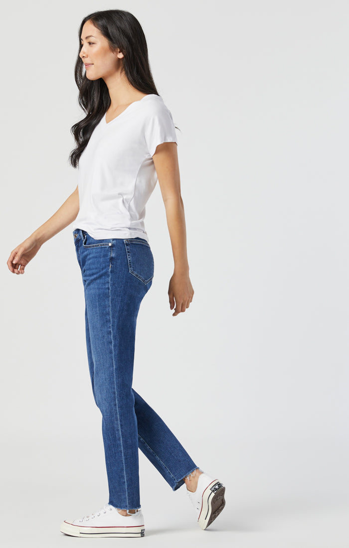 ADA BOYFRIEND JEANS IN MID BRUSHED FEATHER BLUE - Mavi Jeans