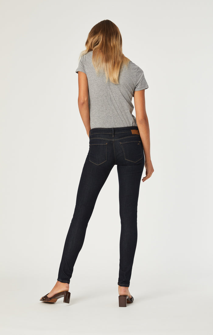 SERENA SUPER SKINNY JEANS IN RINSE SUPERSOFT - Mavi Jeans
