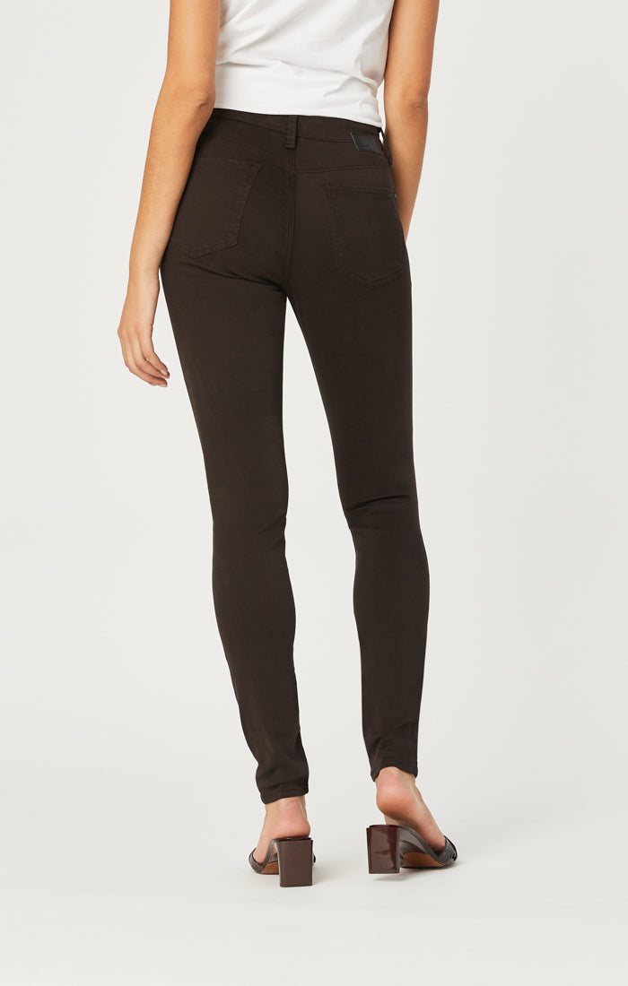 ALISSA SUPER SKINNY PANTS IN BLACK COFFEE SATEEN - Mavi Jeans