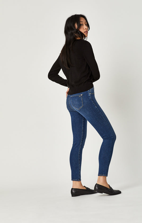 ADRIANA ANKLE SUPER SKINNY JEANS IN MID INDIGO SUPERSOFT - Mavi Jeans
