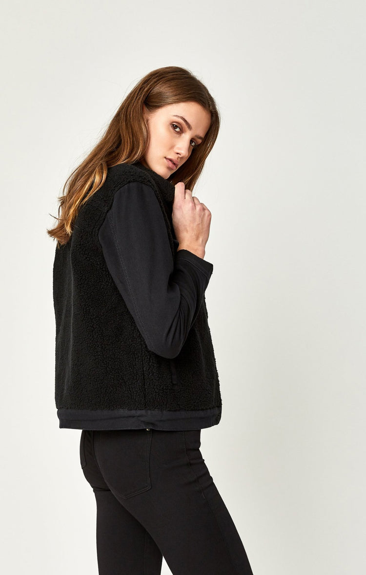 KATY JACKET IN BLACK SHERPA - Jackets - Mavi Jeans