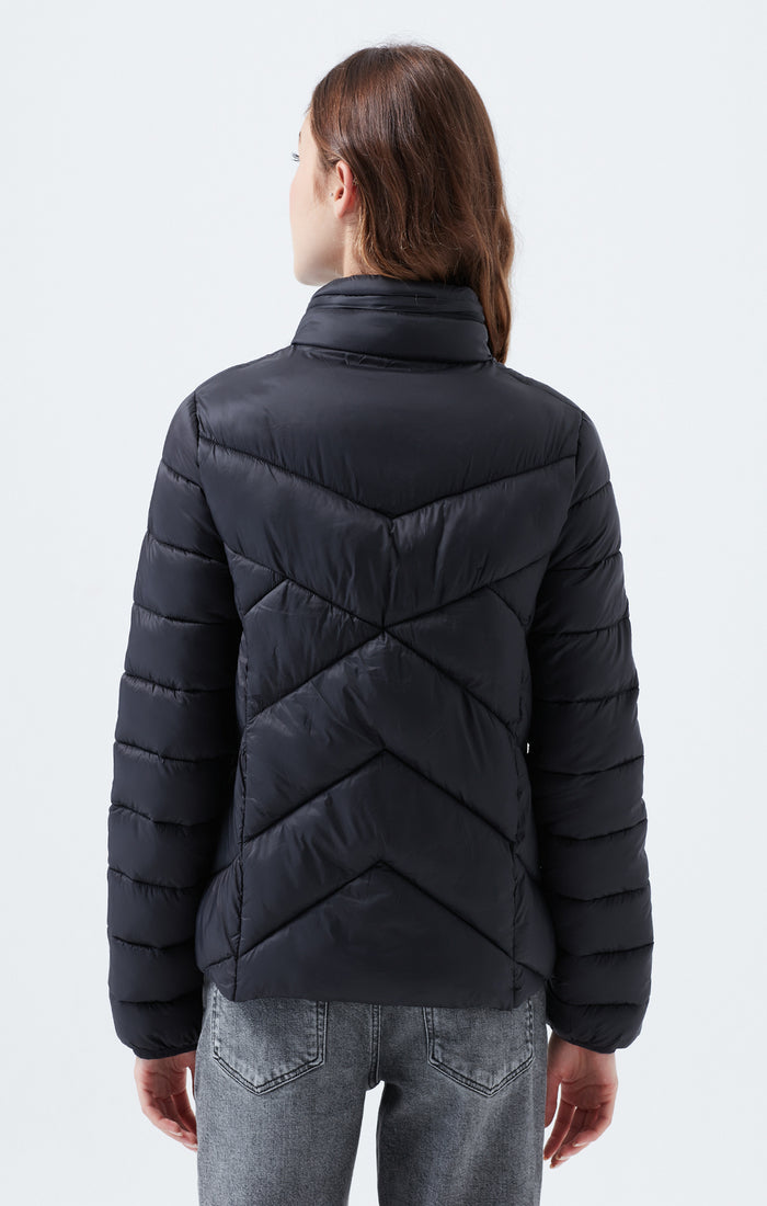 AMINA REGULAR FIT PUFFER COAT IN BLACK - Mavi Jeans