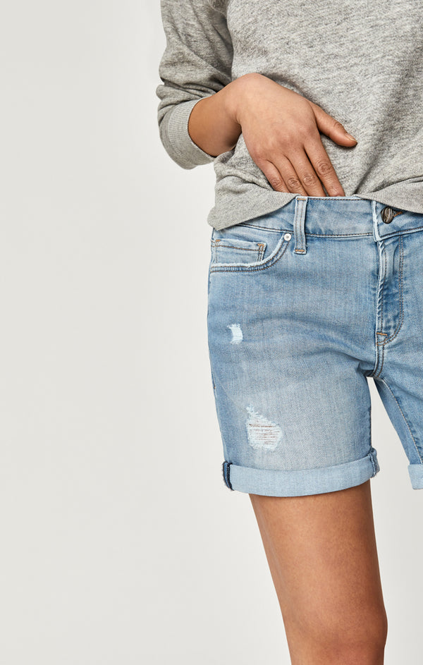 PIXIE BOYFRIEND SHORTS IN LIGHT RIPPED VINTAGE - Mavi Jeans