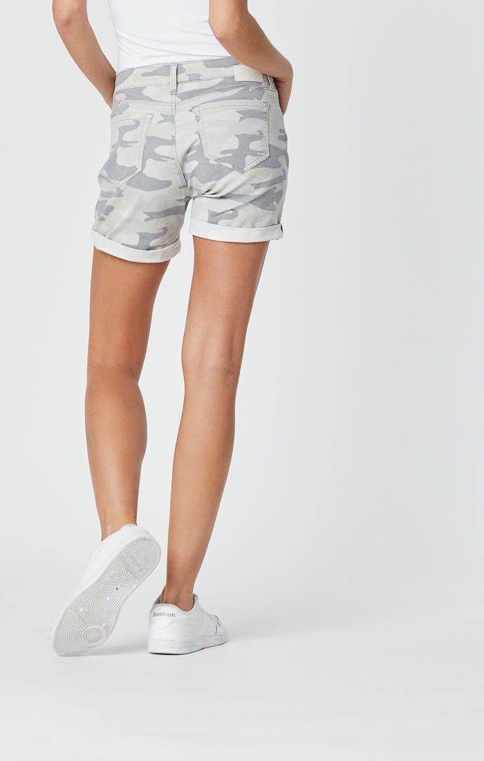 PIXIE BOYFRIEND SHORTS IN GREY CAMO - Mavi Jeans