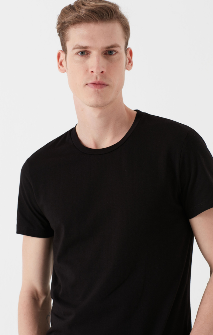 CHRIS BASIC FITTED CREW NECK TEE IN BLACK - Mavi Jeans
