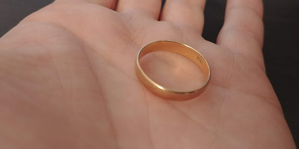 Gold wedding band 12k size 10
