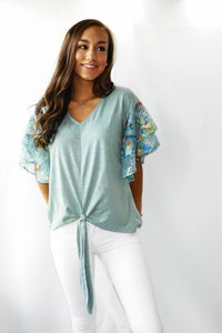 UMGEE FLORAL LACE LAYERED RUFFLE TOP