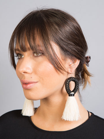 BLACK MAZORCA EARRINGS