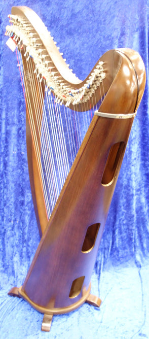 4027S  Camac Hermine Harp in Walnut, 34 Alliance Strings with metal levers and tuning key - no bag but includes Camac Dust Cover