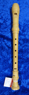 PO0044S Hellinger Soprano Recorder in Maple and in good condition - no case.