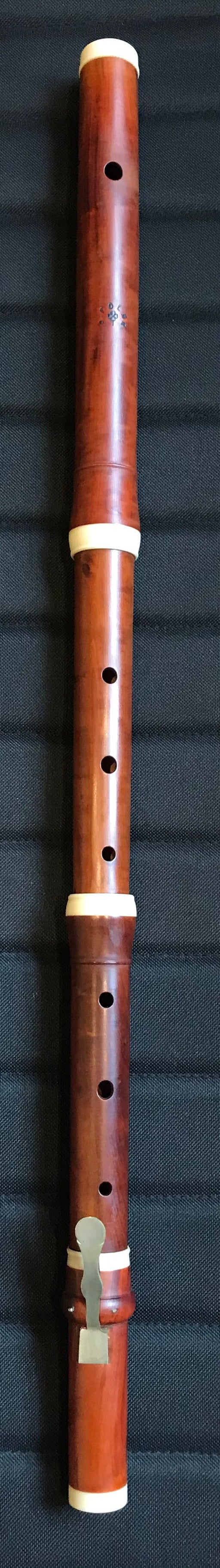 1154L Polak Flute after Wijne in stained boxwood a=415