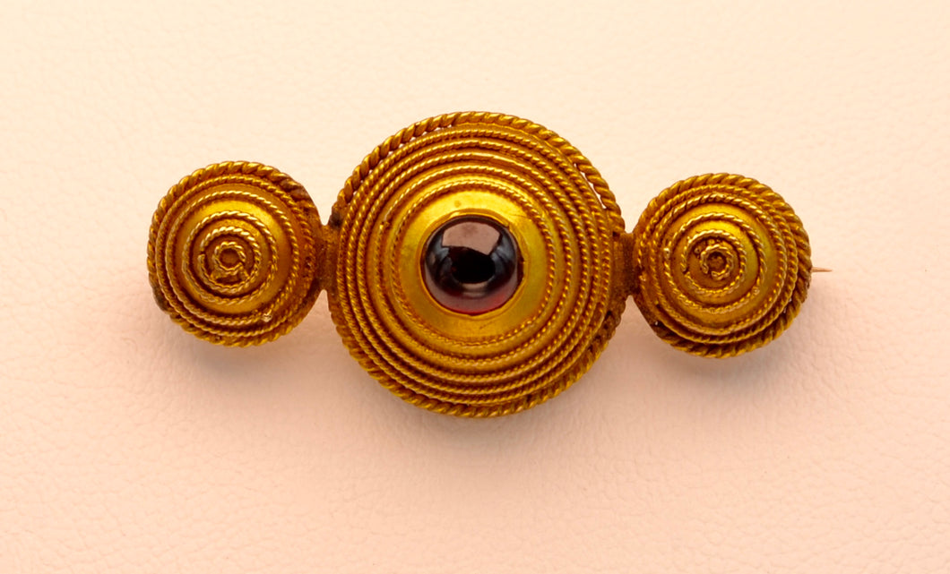 14K Yellow Gold Victorian Garnet Brooch