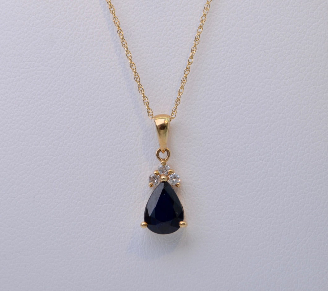 14K yellow gold Pear-shaped Sapphire pendant with three diamonds