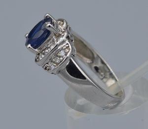 14K white gold ring with Blue Sapphire and diamonds