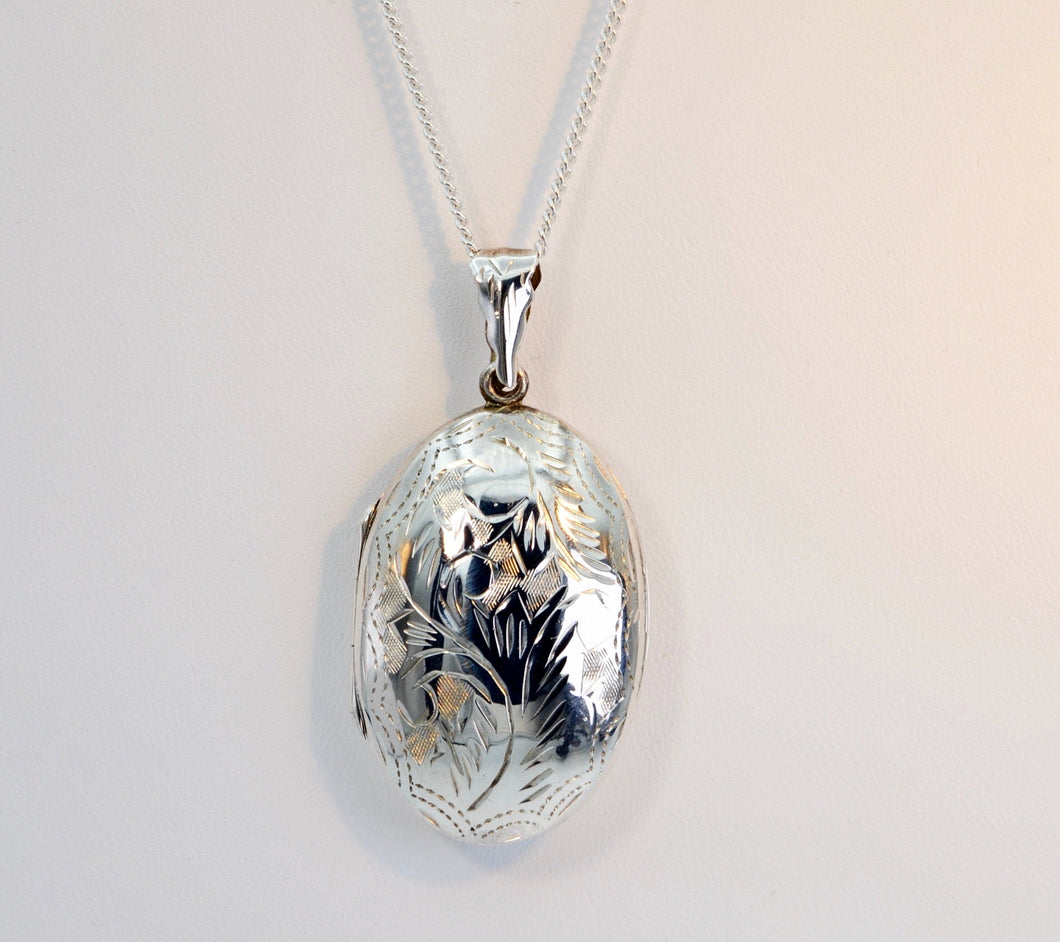 Sterling Silver Engraved Decoration Oval Locket