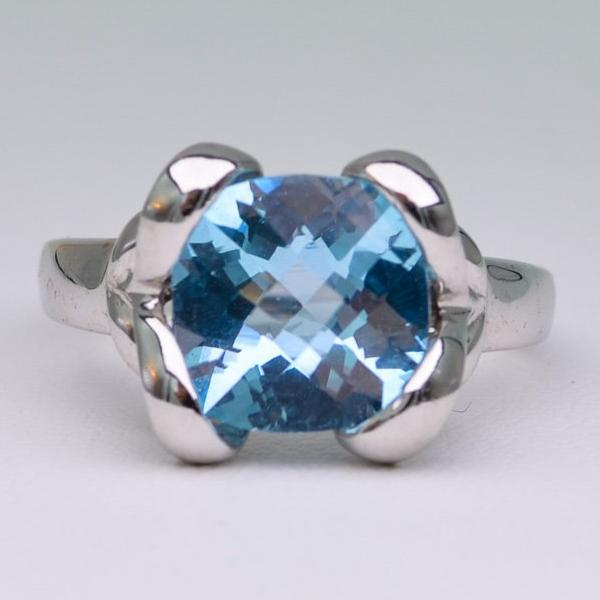 14K white gold, criss-cross cut cushion shaped Blue Topaz Ring