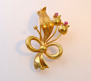 18K Yellow Gold Brooch with Rubies