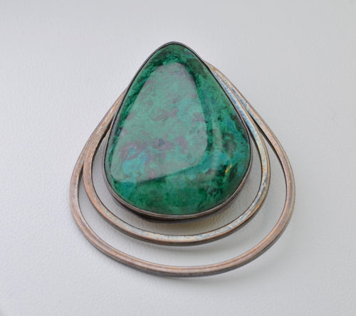 Sterling Silver Brooch with Large Malachite