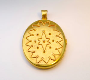 Antique 15K yellow gold oval locket, circa 1870