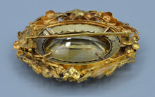 18K yellow gold Victorian brooch, center Citrine framed with natural river pearls