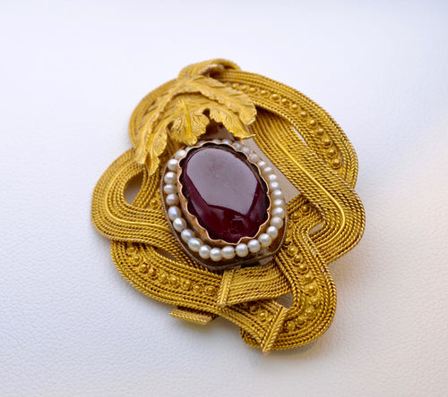 Hand-made Brooch with Garnet Cabachon and Seed Pearls in 18K Yellow Gold