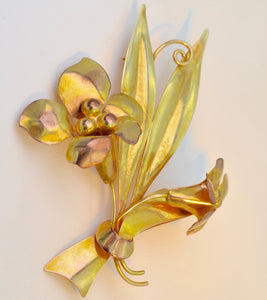 10K yellow gold floral pin by Uncus, circa 1940
