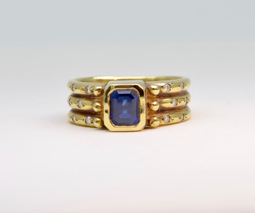 Sapphire Ring in 18K Gold with Pave Diamonds