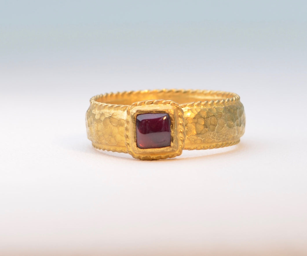Hand-made Garnet Ring in Pure Gold