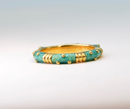 Green Enamel Ring in 18K Gold