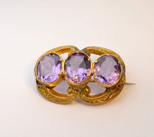 9K yellow gold English Antique brooch with oval Amethysts