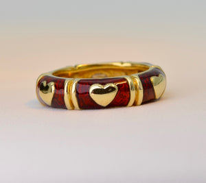 18K Yellow Gold Red Enamel wedding band with heart-shaped pave diamond center