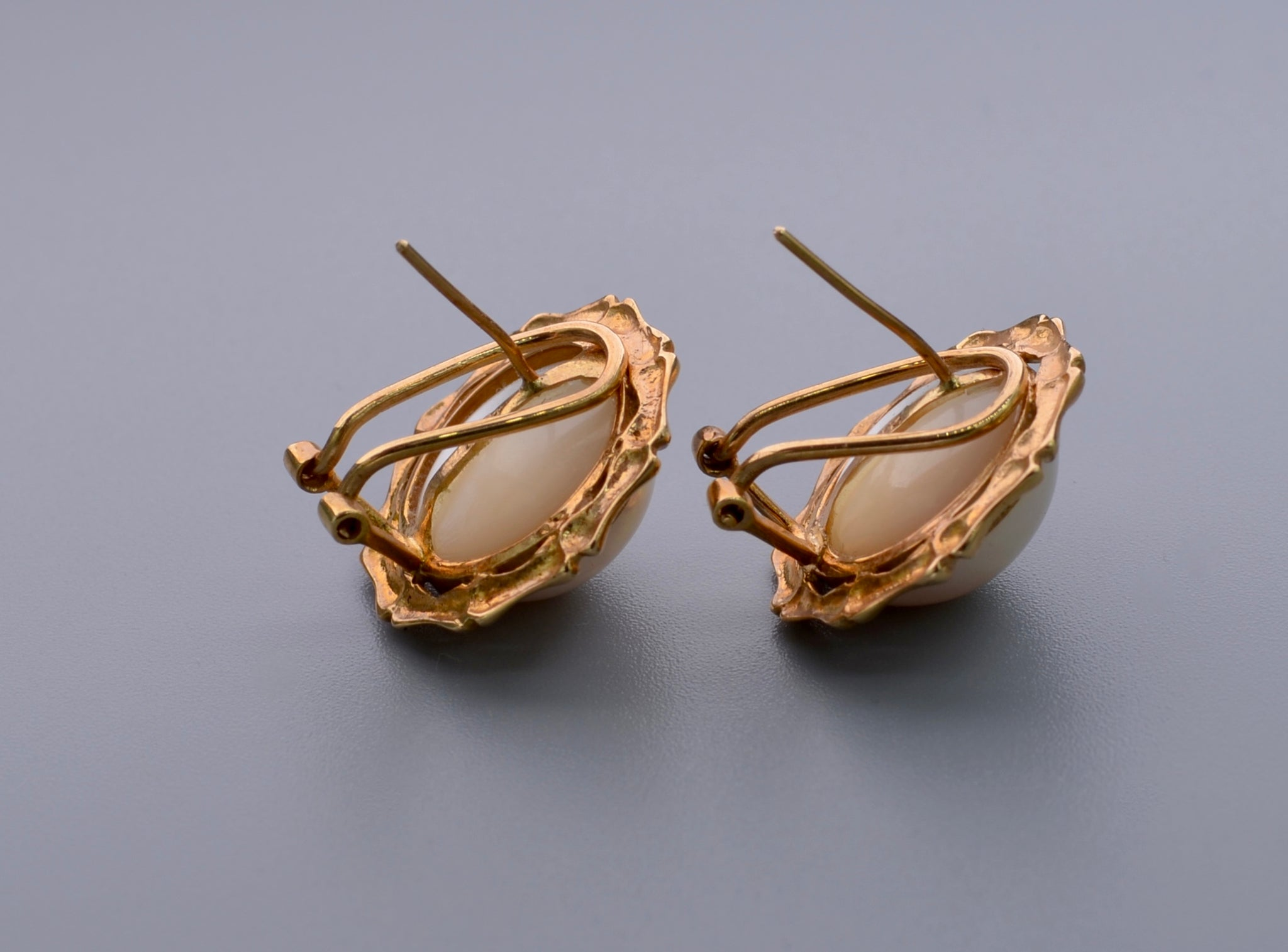 Moby Pearl earrings with 14K yellow gold bamboo-shaped frame – Rose ...