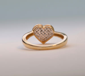 10K yellow gold ring with heart-shaped pave diamonds on top