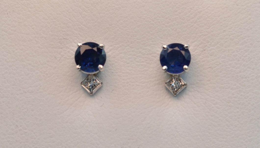 14K white gold Sapphire Stud earrings with square diamonds