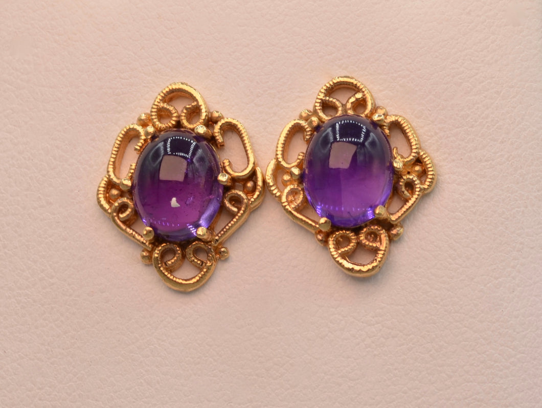 14K yellow gold, Amethyst cabochon post earrings