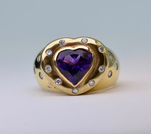 18K yellow gold ring with heart-shaped deep purple Amethyst and Diamonds