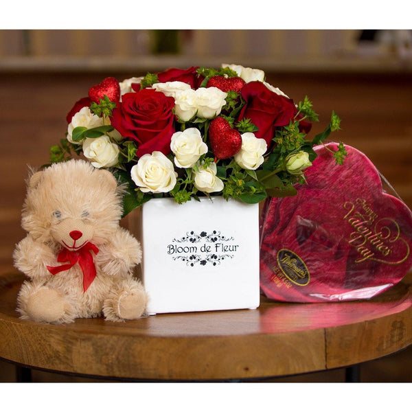 Bloom de Fleur Bouquet Ceramic Vase - Valentine w/ Bear & Chocolate