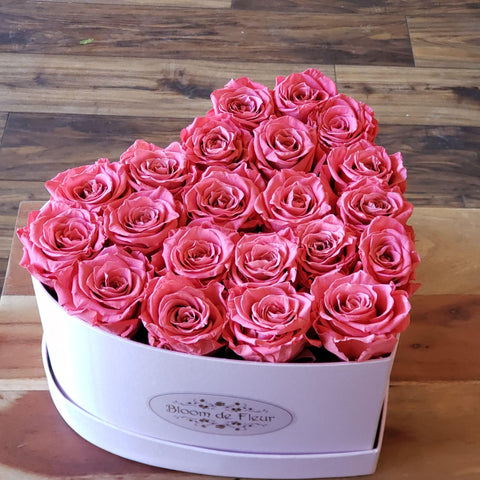 Bloom de Fleur Forever Roses Luxury Heart box -  Forever Coral