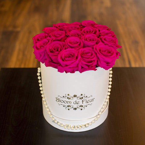 Bloom de Fleur Forever Roses Luxury White - Forever Hot Pink