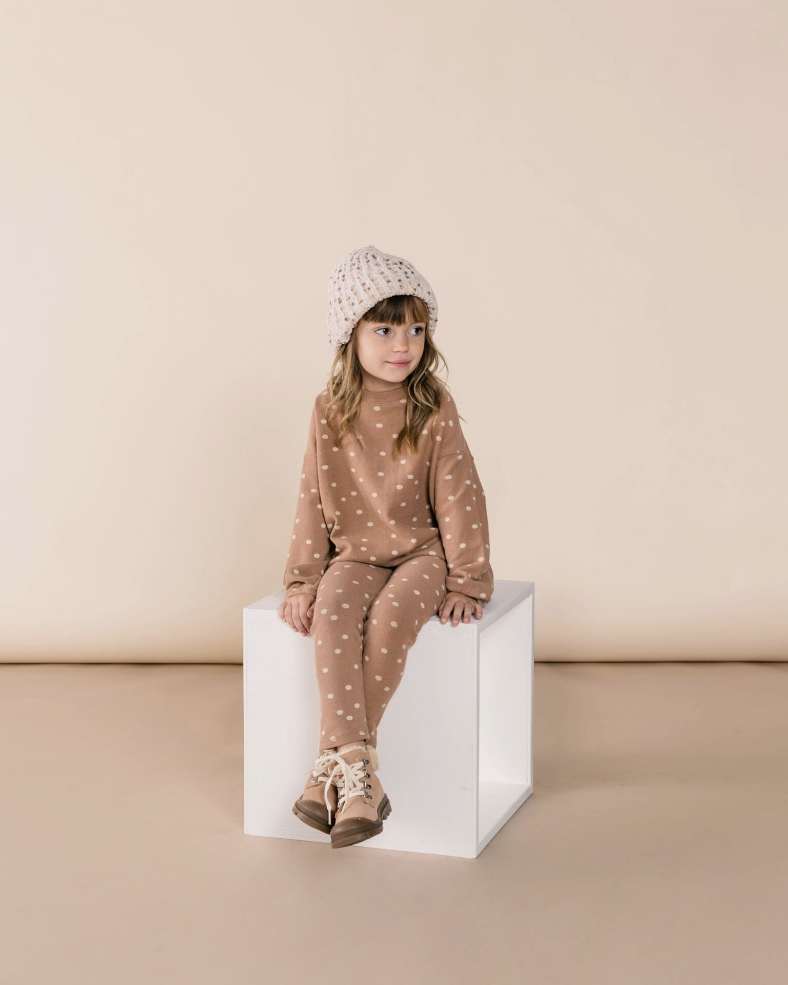 Rylee + Cru Dot Knit Legging, Truffle/wheat