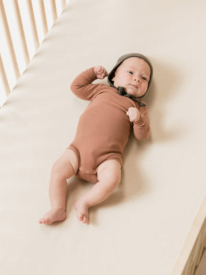 Quincy Mae Ribbed Longsleeve Onesie, Clay