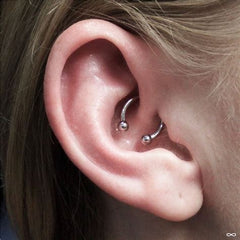 Plain horseshoe barbell in daith piercing