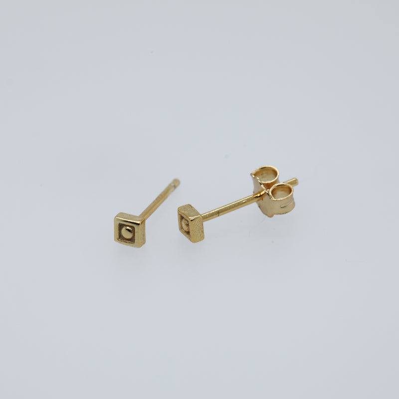 Sophia Earrings Cute Stud Earrings in Gold